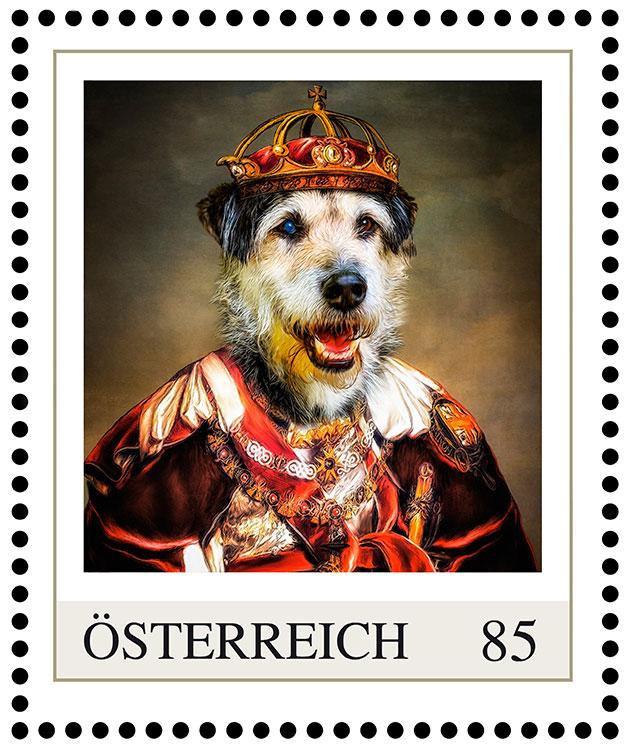 Hundeportrait König Laub, Briefmarke Hund in königlicher Kleidung mit Krone, Gemälde, Birefmarke Post Österreich